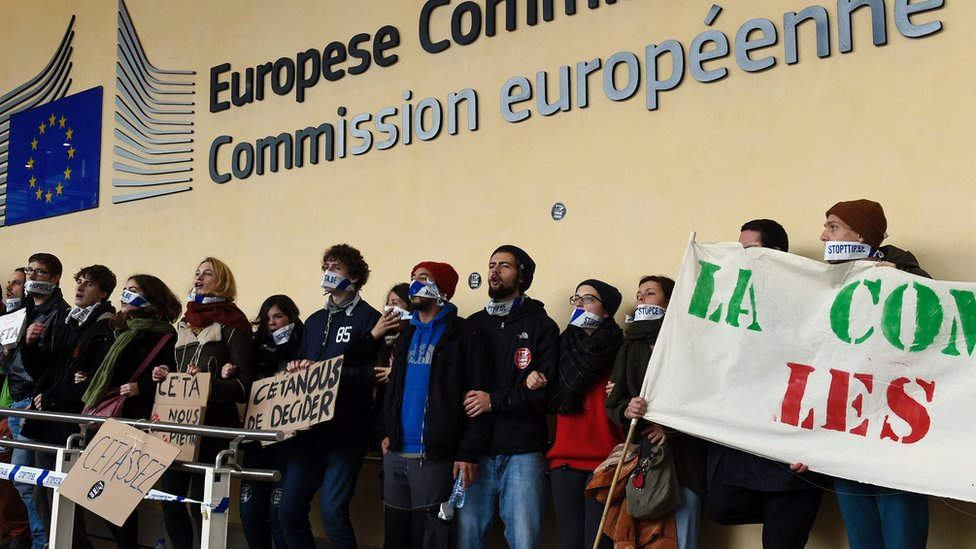 Anti-Ceta and TTIP demonstration outside European Commission HQ in Brussels - 27 October