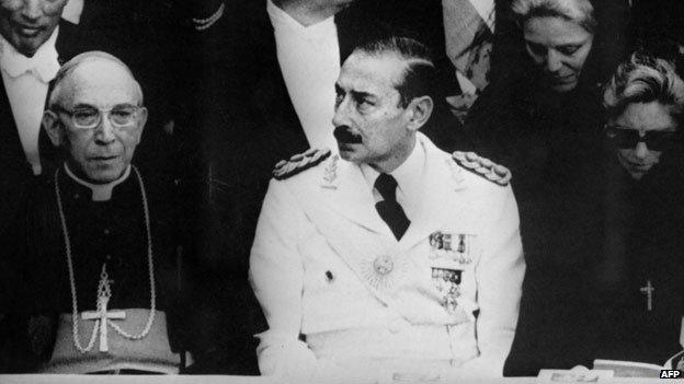 Jorge Videla en la investidura del Papa Juan Pablo I.