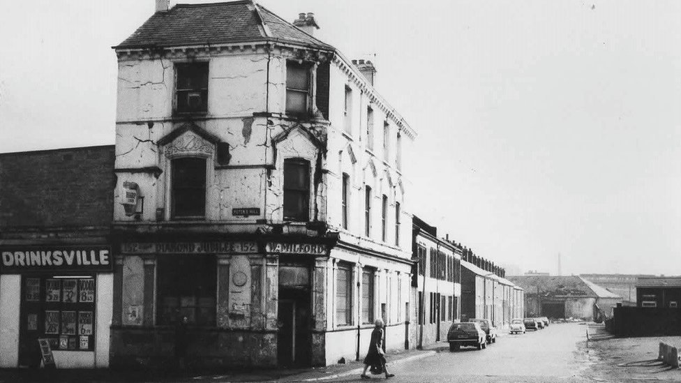 Old Shankill pub