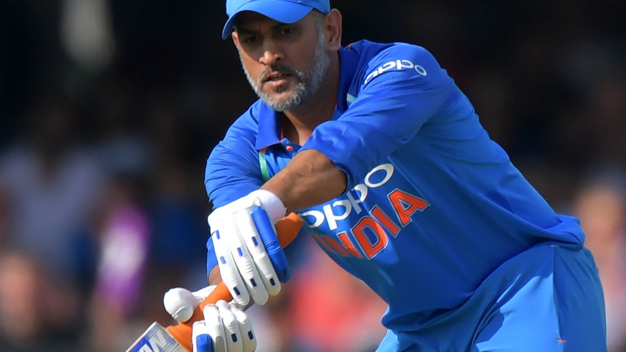 England v India: Virat Kohli backs MS Dhoni after defensive tactics