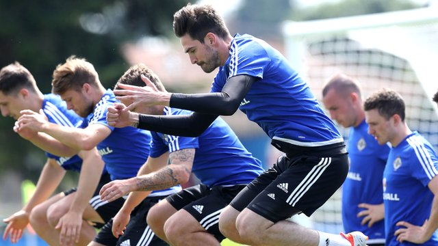 Kyle Lafferty resumed training with the Northern Ireland squad on Friday