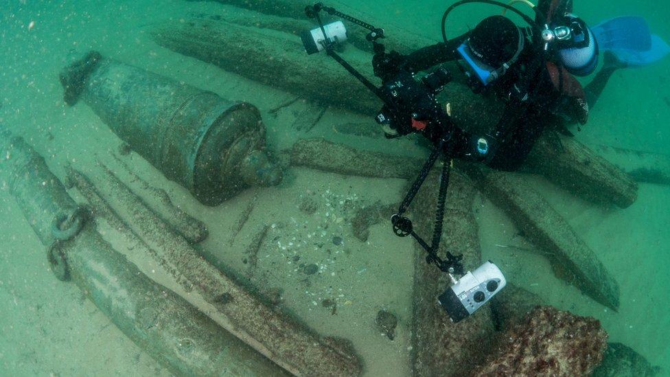 ronilac slika olupinu
