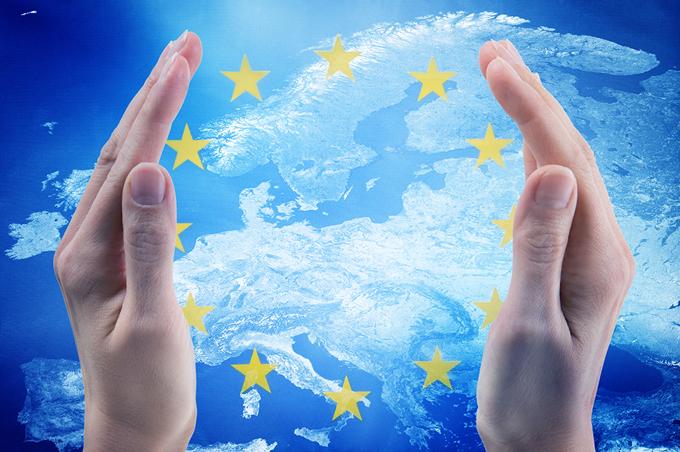 Mapa de Europa con las estrellas de la bandera de la UE