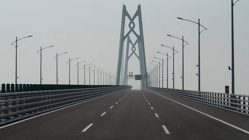 Puente Hong Kong-Zhuhai