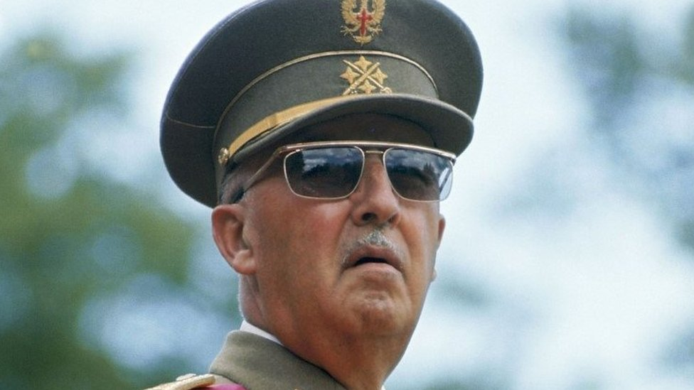 В Іспанії дозволили ексгумацію останків Франко