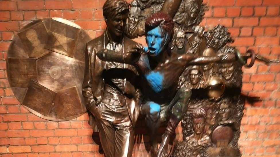 Aylesbury's David Bowie statue vandalised for second time