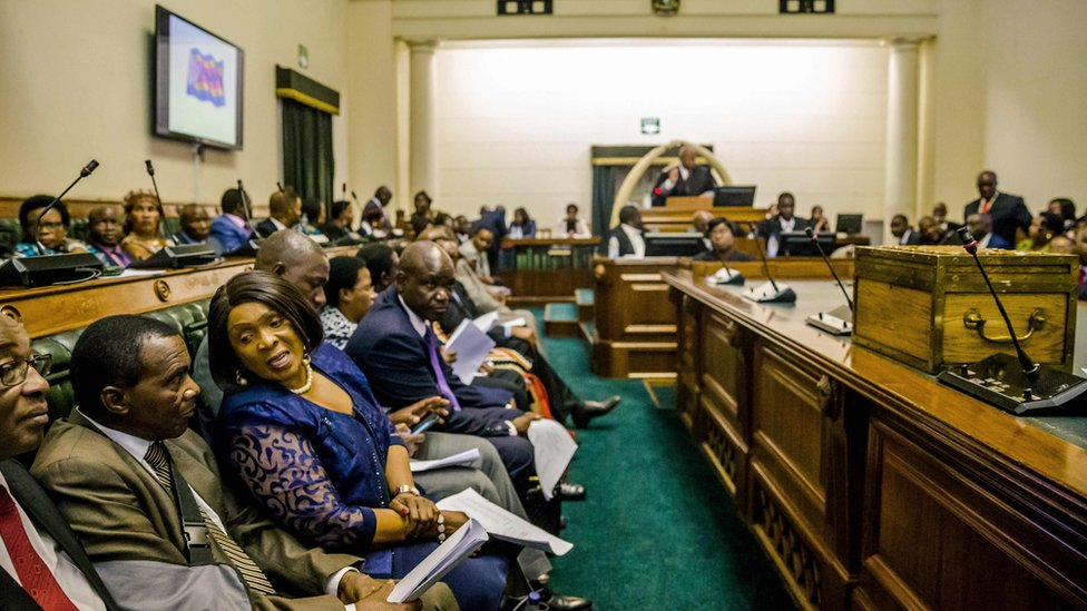 Picture shows Zimbabwean MPs sitting in parliament