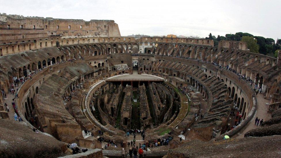 المسرح الروماني المدرج