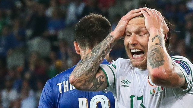 Jeff Hendrick in action against Italy