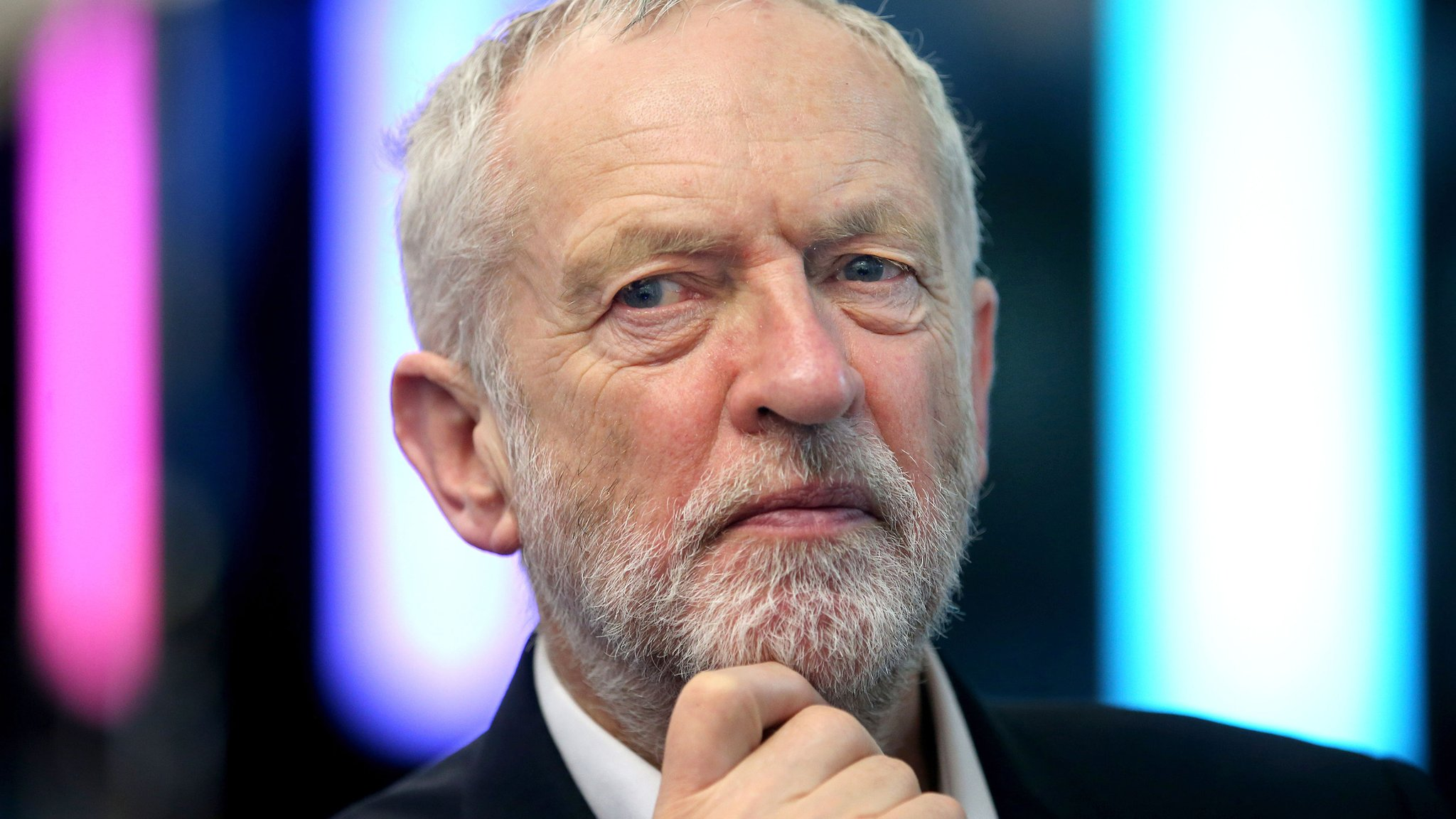 Labour facing showdown over anti-Semitism policy