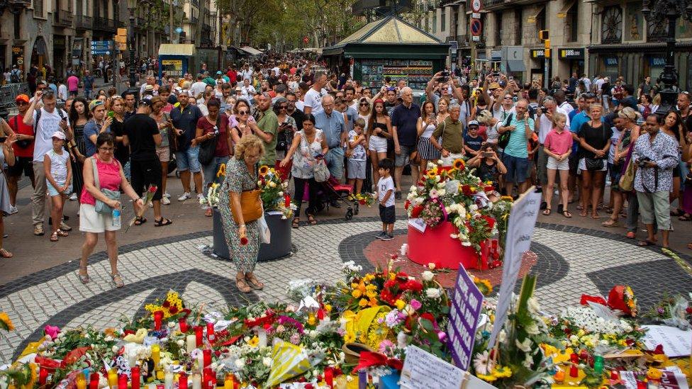 Conmemoración a las víctimas un año después de los atentados.