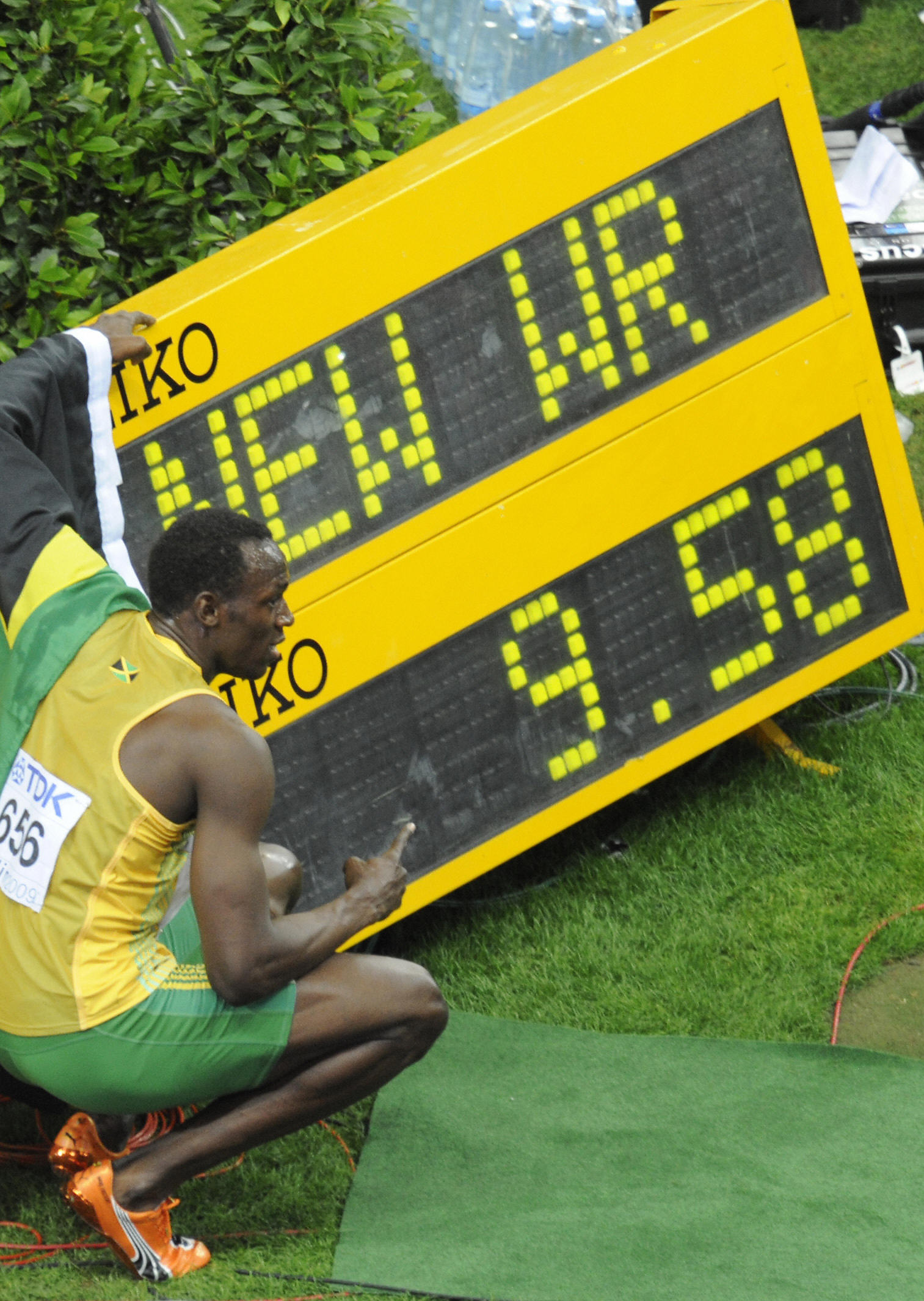 Bolt con su marca de 9,58.