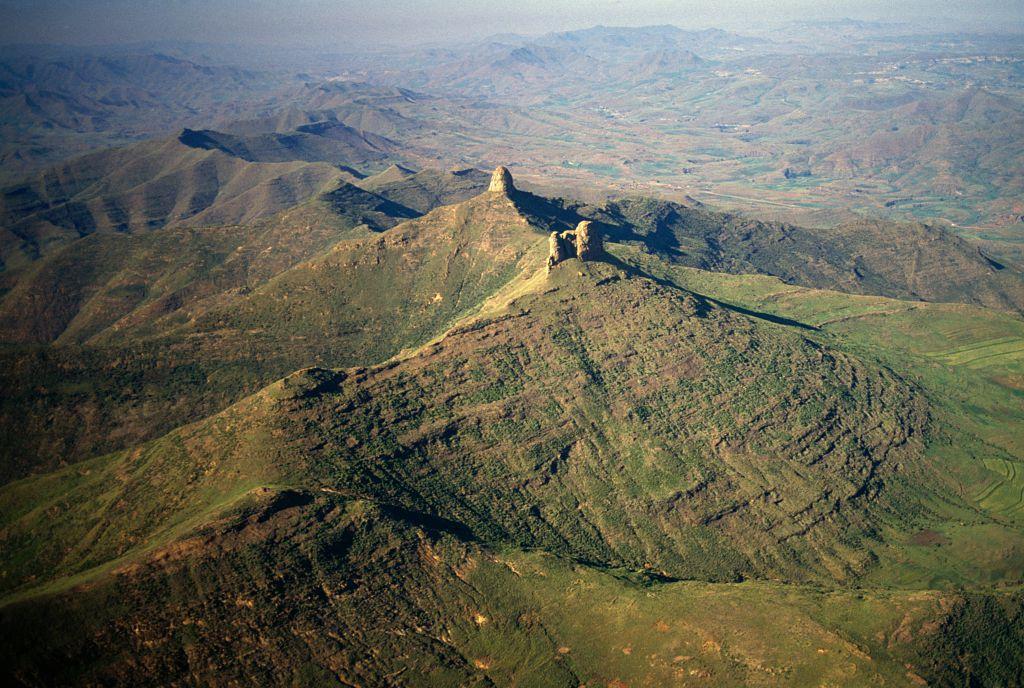 Mountain landscape near Semonkong