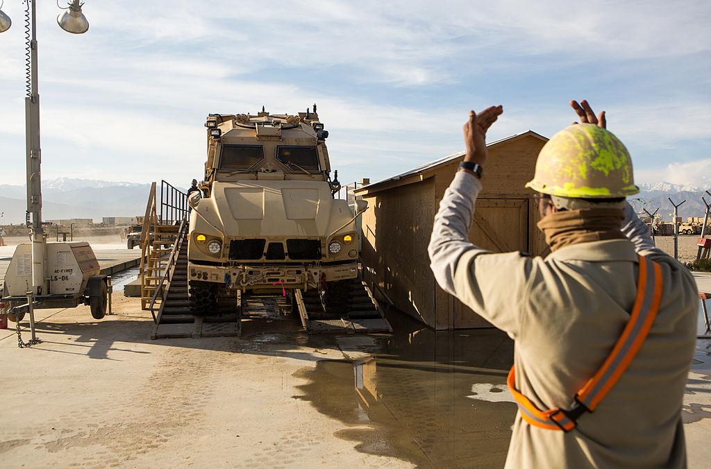 Un contratista trabajando en Afganistán.