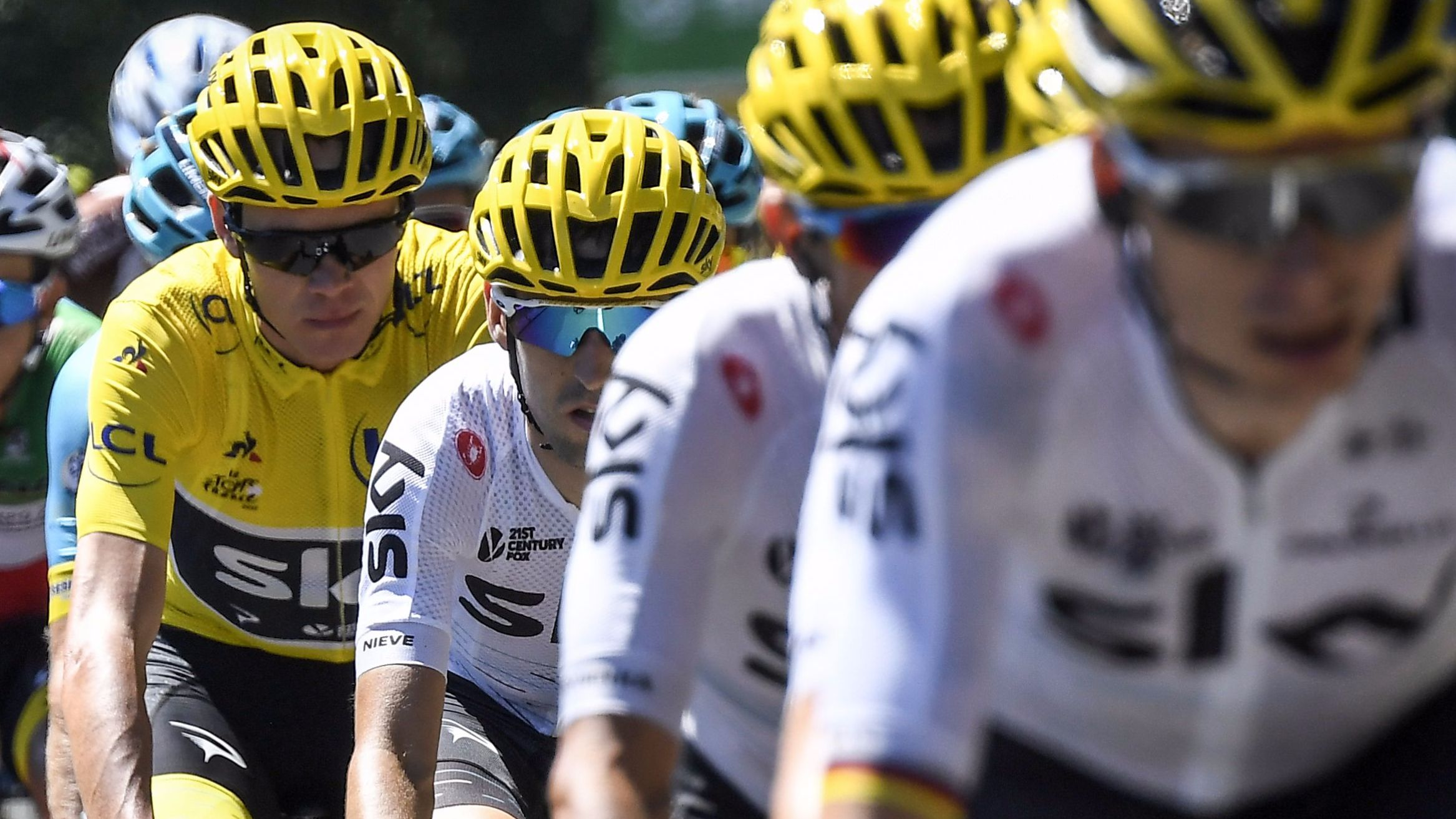Tour de France  Bauke Mollema wins stage 15 as Chris Froome keeps yellow  jersey - BBC Sport 3a68acec1