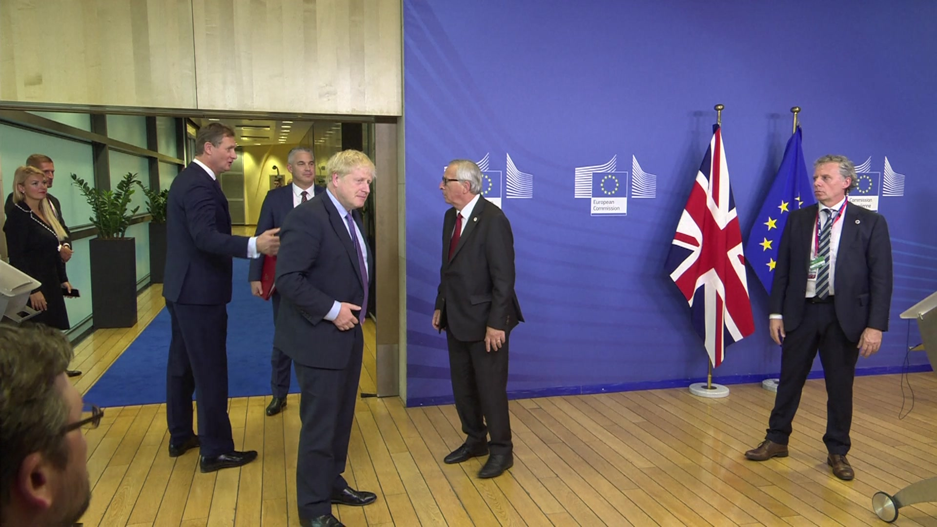 PM and Juncker end statement