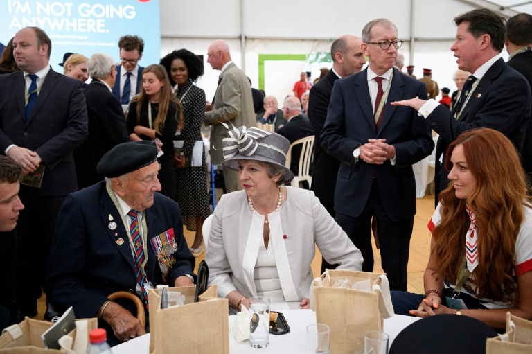 D-day commemorations: Veterans honoured during Normandy events - BBC
