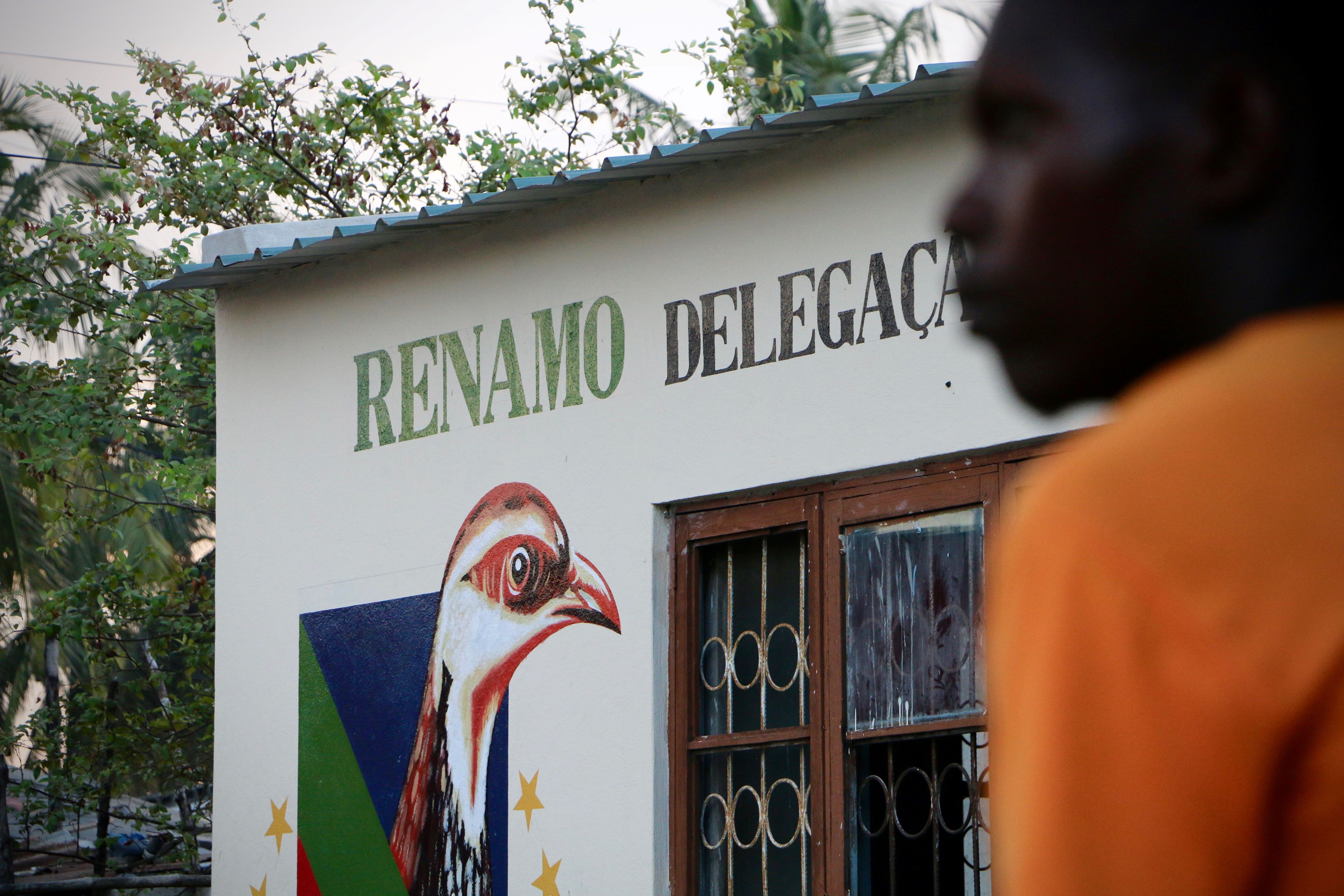 Mozambique police urge Renamo to resolve infighting