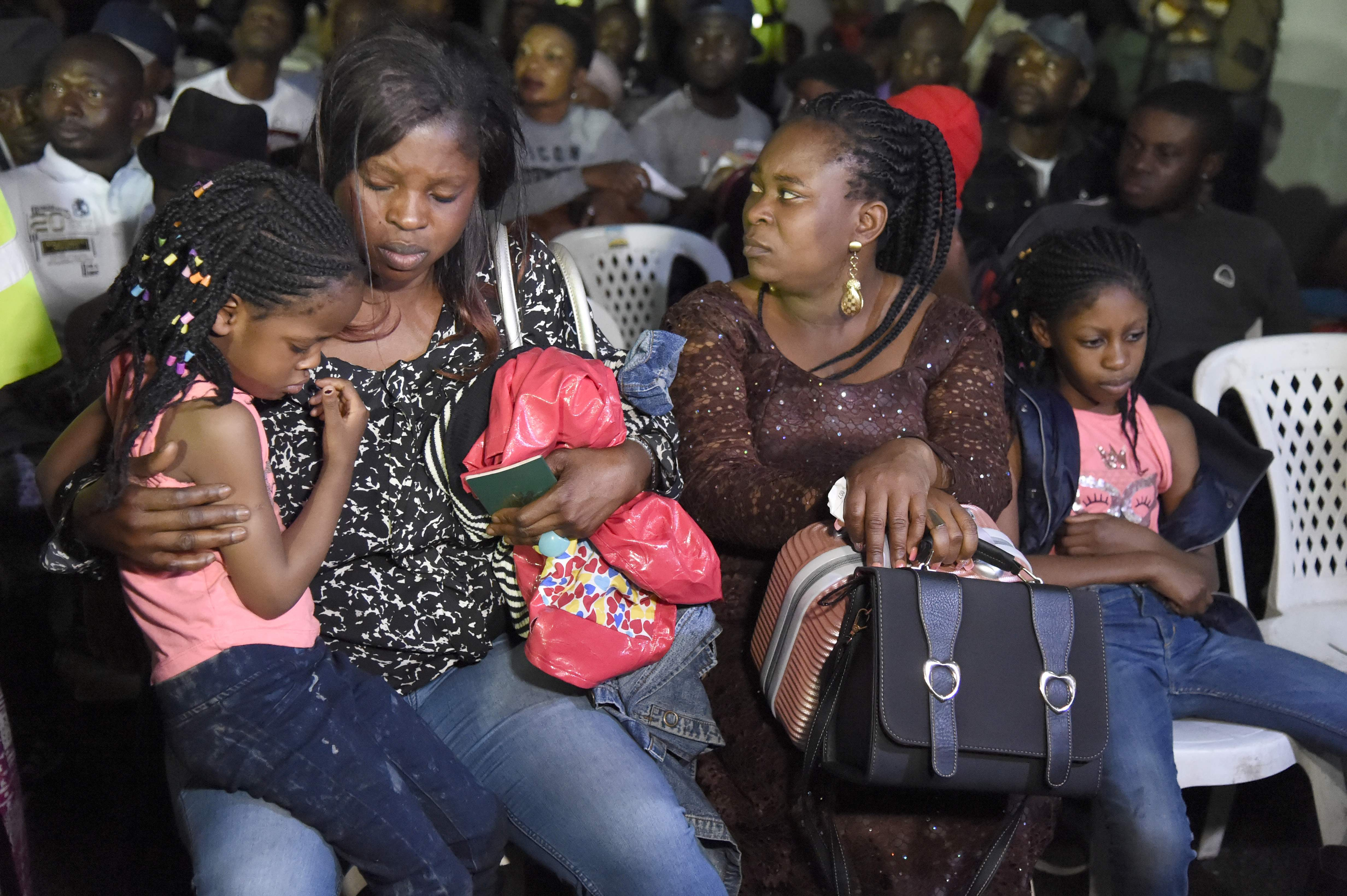 First Nigerians fleeing South Africa arrive home